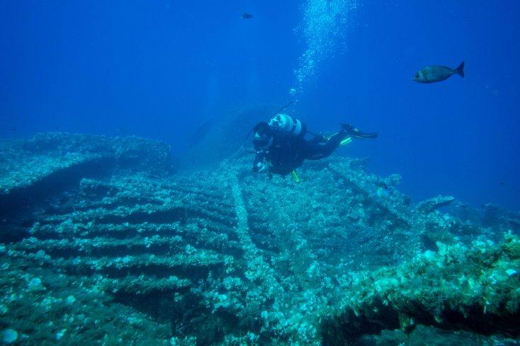 Diving the Teti Wreck - Adriatic Sea