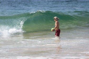 beach surfing - forresters beach